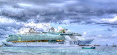 cruise-ship-1330416__180